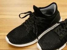 米家运动鞋智能版 开箱:华米智芯2加持,小米百货帝国再添悍将