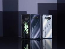 """【黑鲨游戏手机4S 开箱】首发JOYUI 12.8系统,内置二次元萌娘""""鲨鲨酱""""!"""