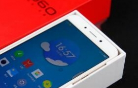 360手机N5(流光金)开箱:高光拉丝工艺,突显金属独有质感