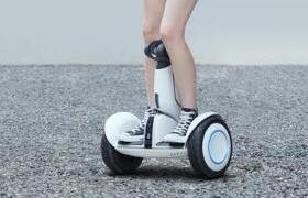 米家九号平衡车Plus发布:200斤胖纸扛得住,无聊时还能带出去溜溜?